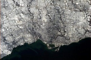 RT @Cmdr_Hadfield Chris Hadfield 19 Jan With a long tradition of hockey on the shore of Lake Ontario, introducing Toronto - Go Leafs Go! @MapleLeafs pic.twitter.com/iZdN2yZb